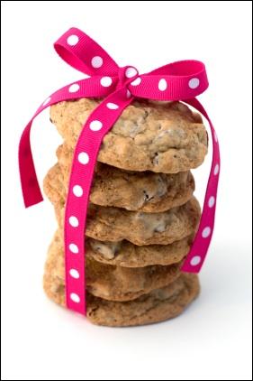 [במקור: http://cyberdatingexpert.com/wp-content/uploads/2009/05/chocolatechipcookies.jpg]